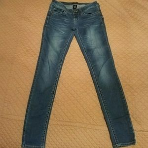 Juniors size 3 Rampage skinny jeans